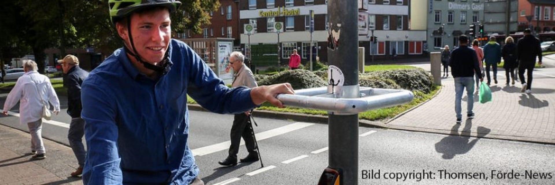 Anhalten ohne Abzusteigen: Halteringe für Radfahrer in Flensburg