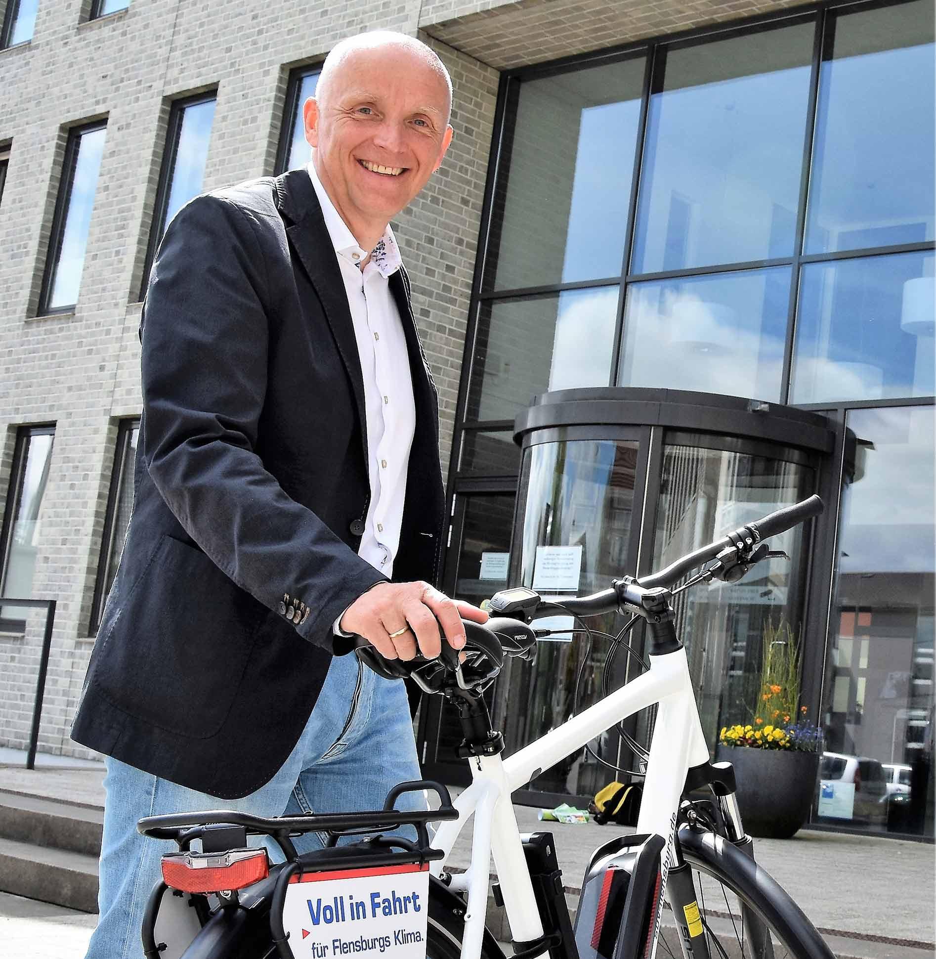 Auch Jürgen Möller (Klimapakt-Vorsitzender) beteiligte sich mit Begeisterung an der alljährlichen Radfahrkampagne des Klimapaktes